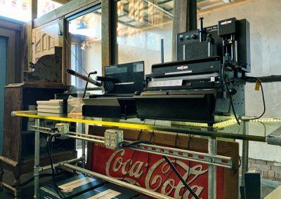Xpresso-Print-Cafe-glass-table-drill-min
